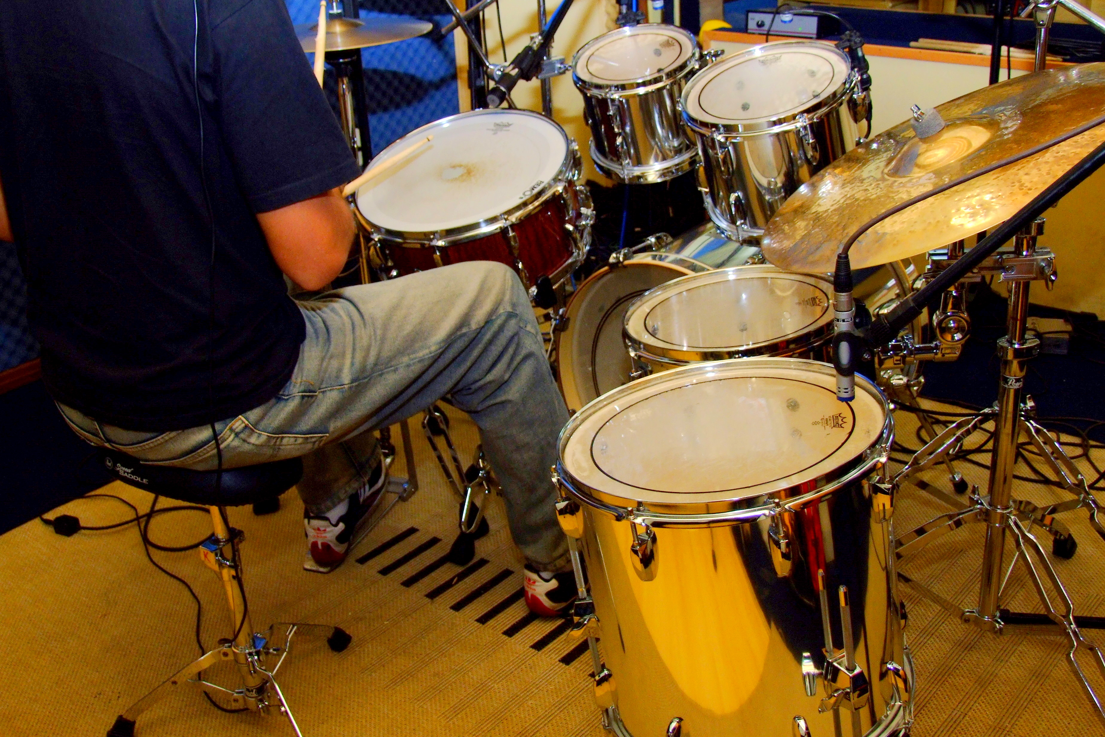 Learn to play drums electronic drum set